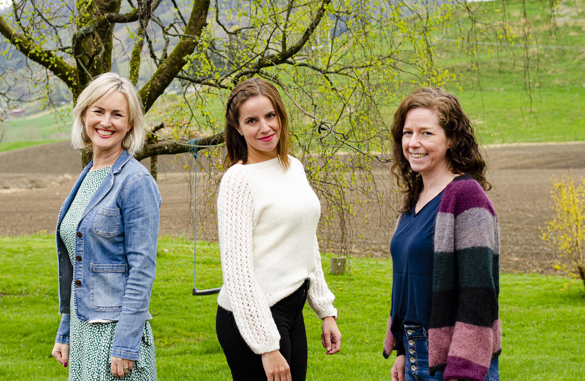 Bilde av Astrid Eidhammer Hjelmeland, Bente Bakke, og Elin Sørheim