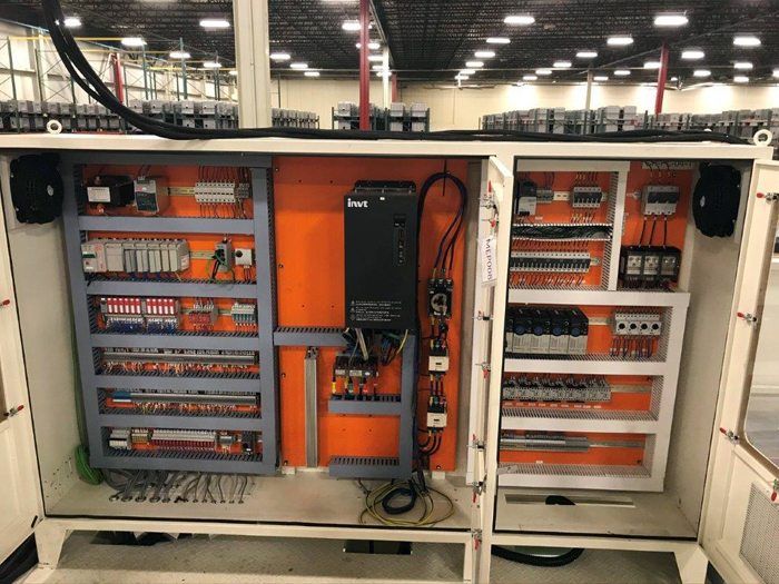 SAFETY CABINET FOR A TANDEM LINE PRESS