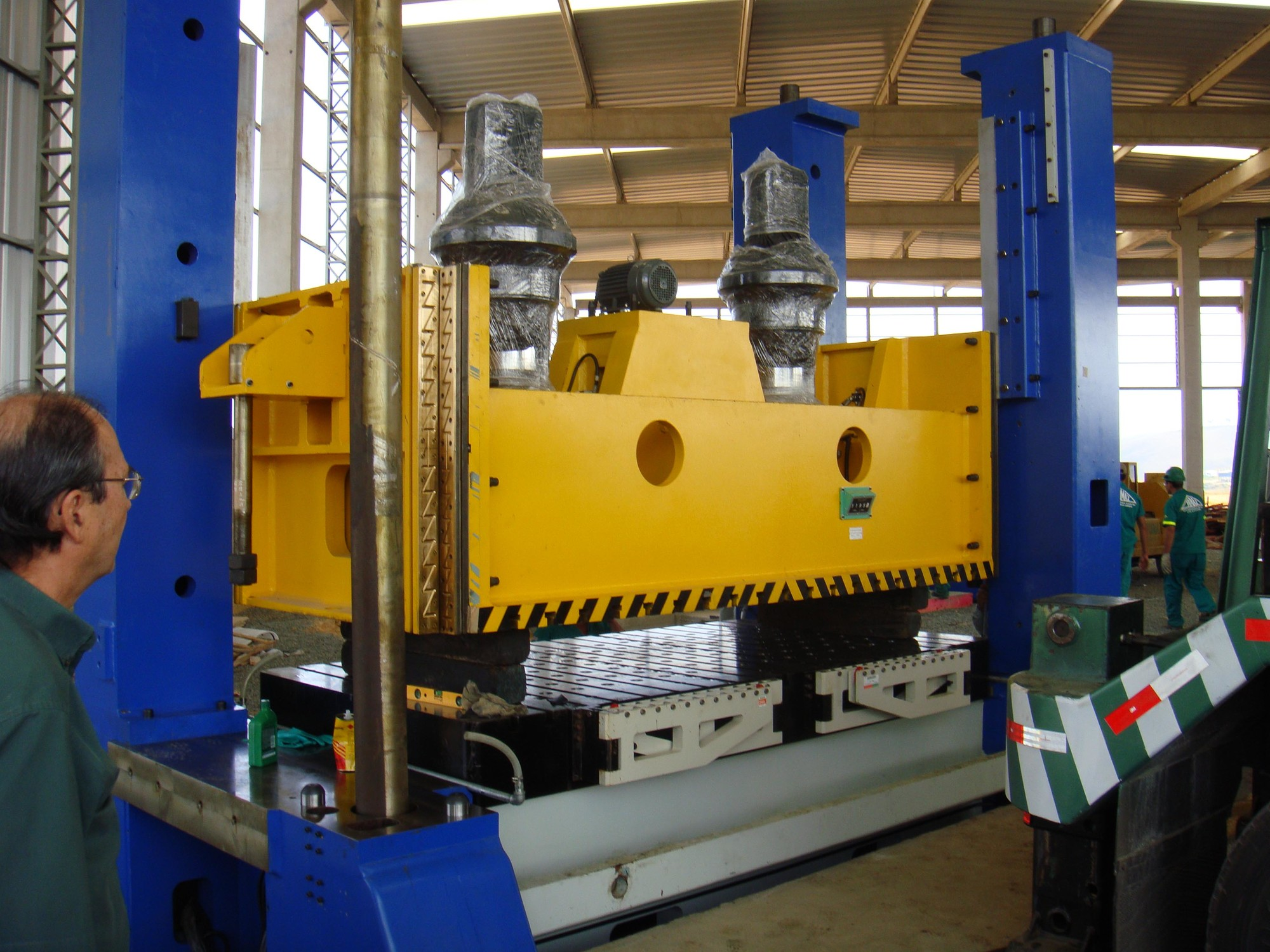 Double Point Straight Side 660 Ton Mechanical Stamping Press Installation