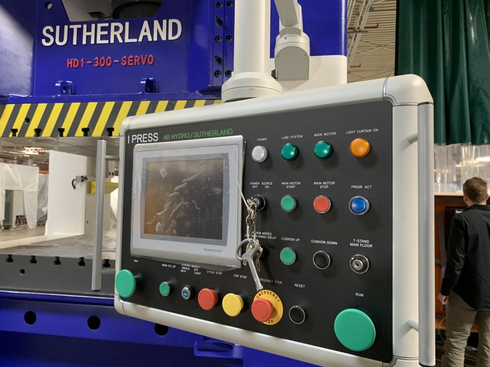Sutherland I-PRESS SERVO HYDRAULIC PRESSES