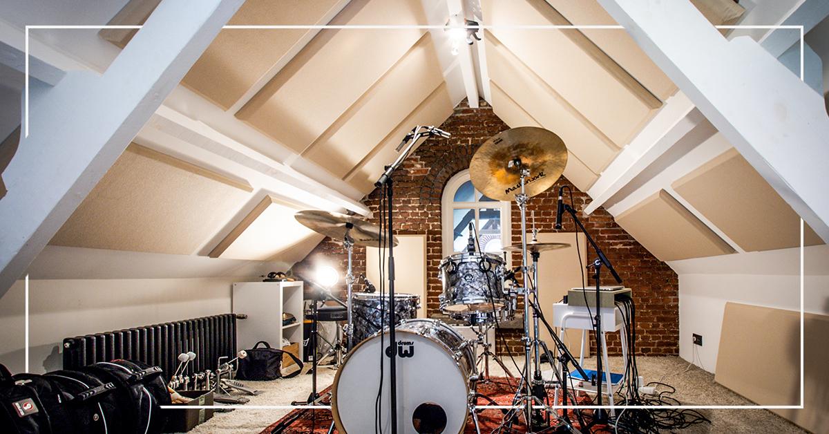 Home studio of musician Wim Geenen gets an acoustic make-over