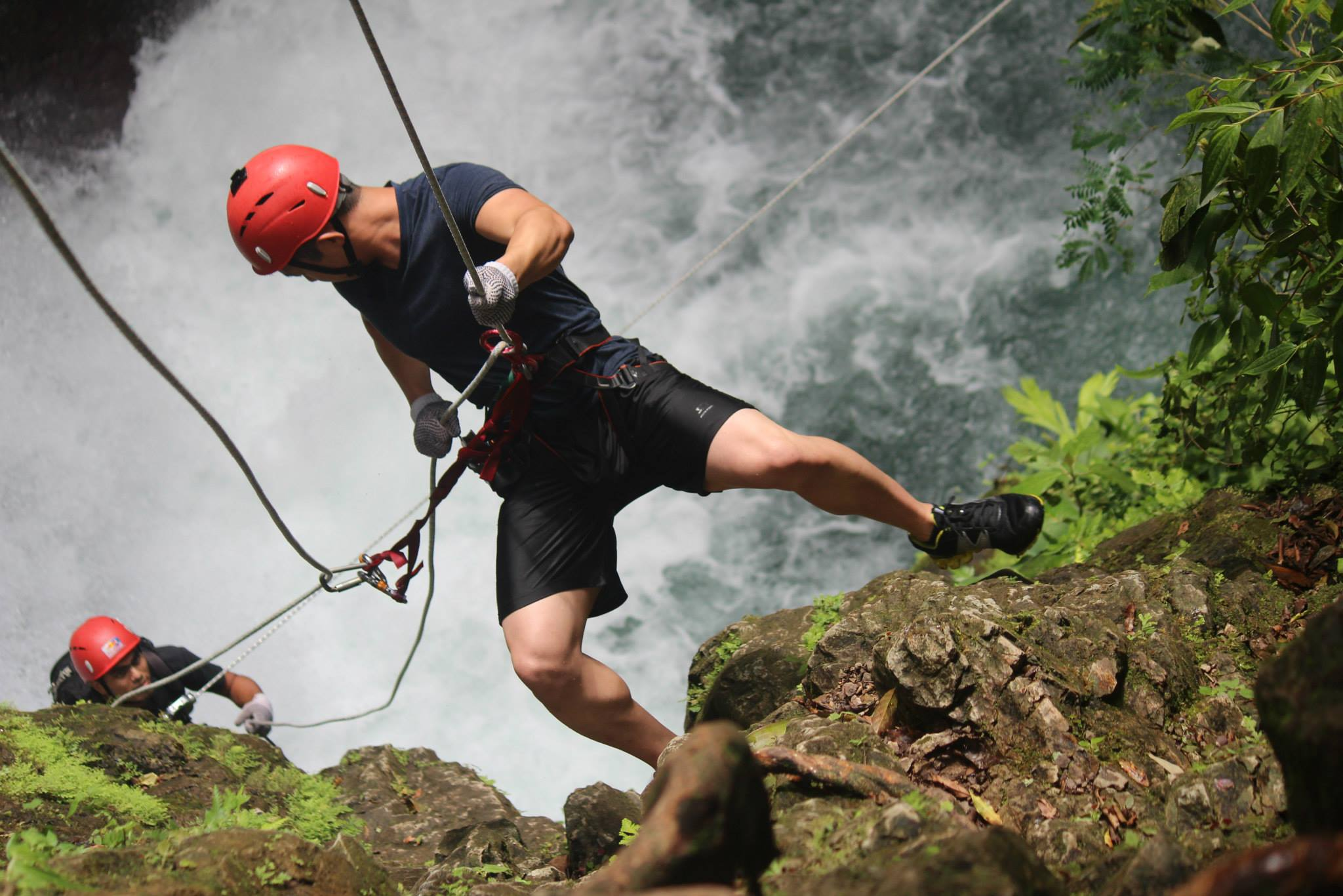 Under30experiences-rappeling-adventure