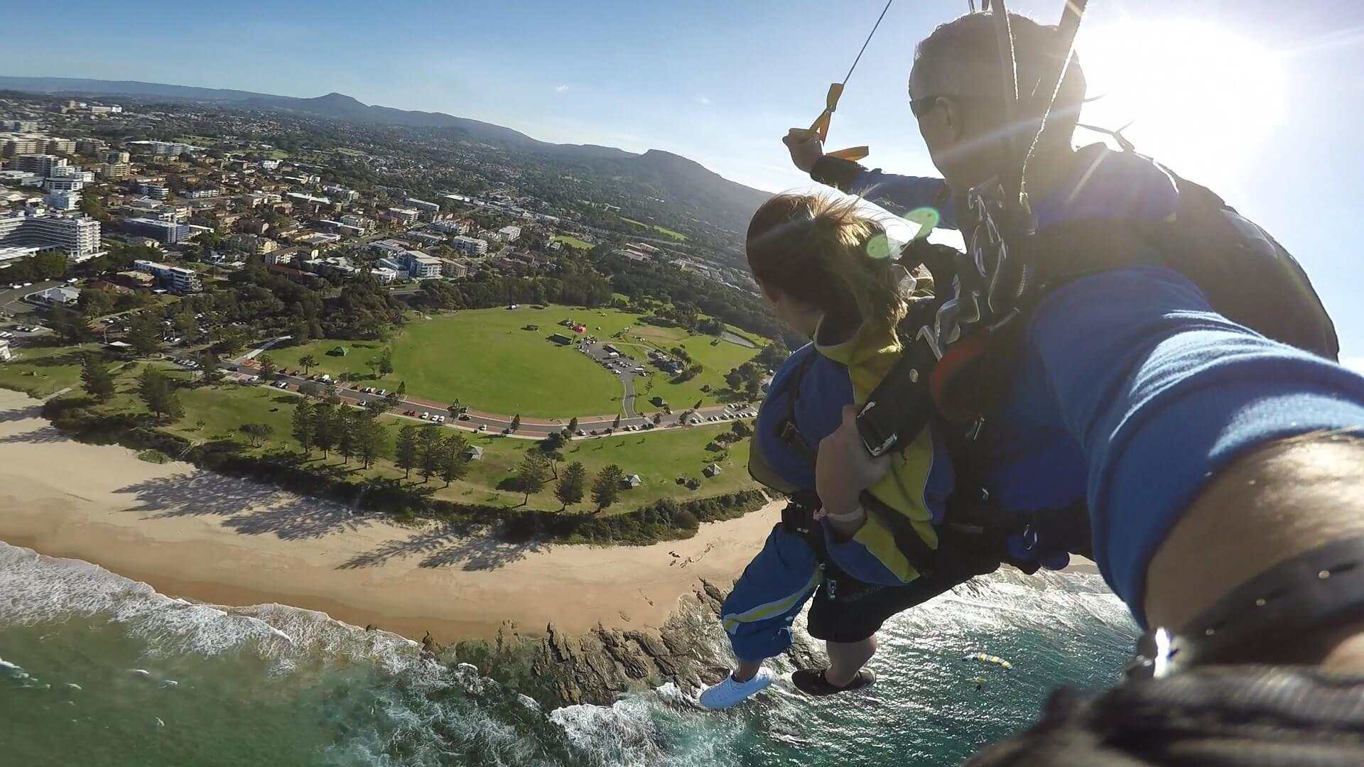under30experiences-blog-why-you-should-travel-skydiving-australia-wollongong-sydney