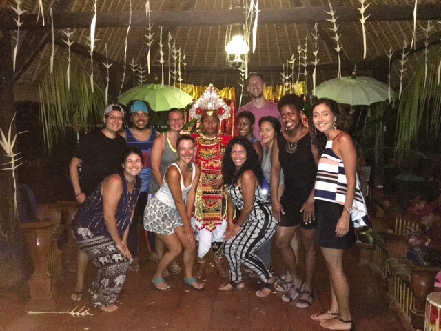 blog-The-5-Things-I-Learned-by-Spending-My-Summer-in-Bali-dancers