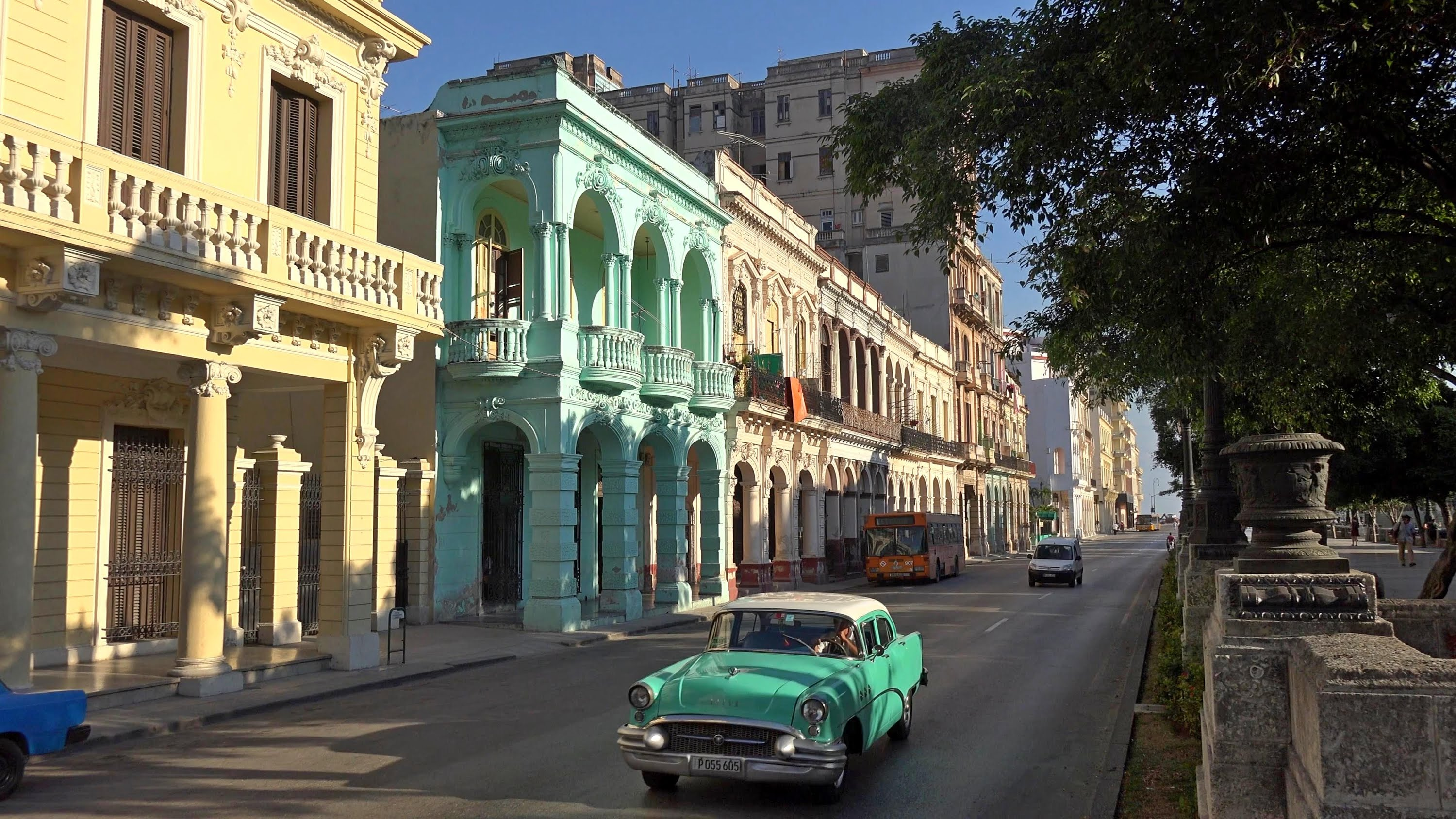 blog-countries-to-visit-2017-streets-in-cuba