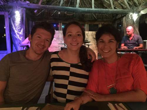 blog-Why-I-Stopped-Counting-Countries-and-Started-Collecting-Experiences-connecting-mexico.jpg