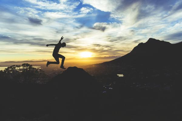 blog-Four-Life-Lessons-You-Can-Learn-From-Mountain-Climbing-celebration.jpg