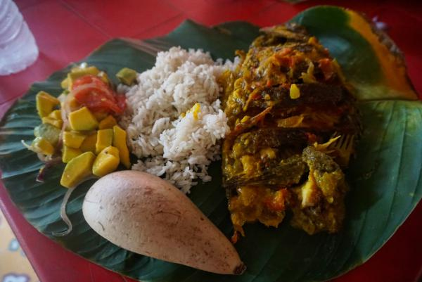 blog-Why-Cartagena-Should-Be-at-the-Top-of-Your-Travel-Bucket-List-fish-rice.jpg