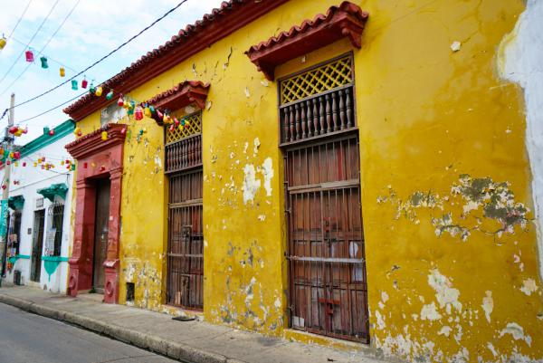 blog-Why-Cartagena-Should-Be-at-the-Top-of-Your-Travel-Bucket-List-building.jpg