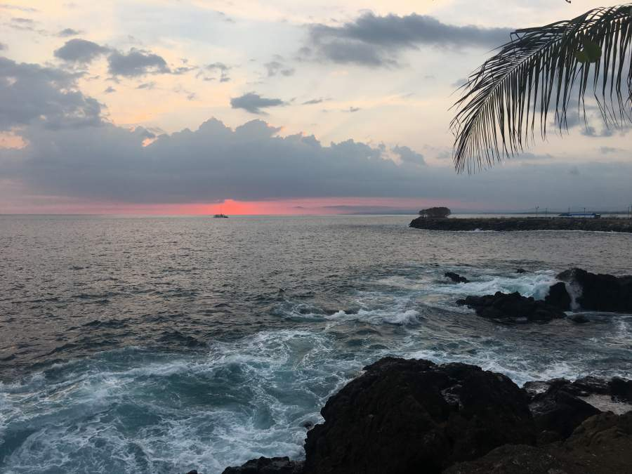 under30experiences-travel-blog-for-millennials-how-to-learn-a-language-date-a-local-sunset