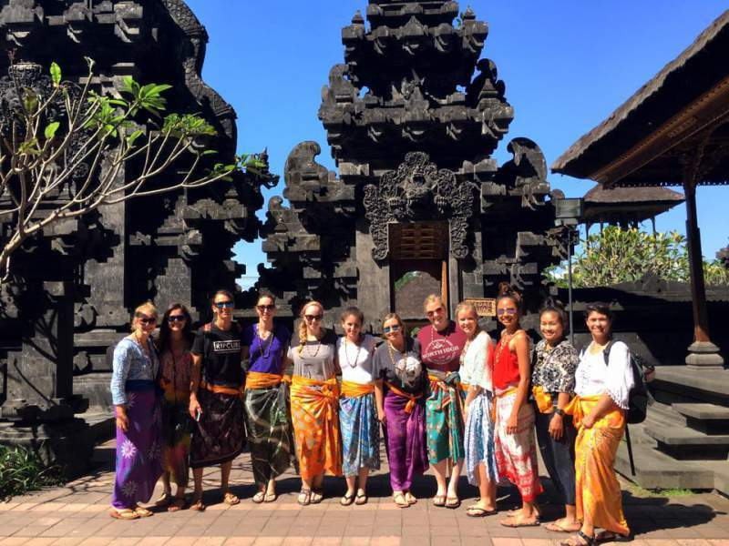 under30experiences-travel-blog-for-millennials-how-i-got-over-the-stigma-of-traveling-solo-bali-group