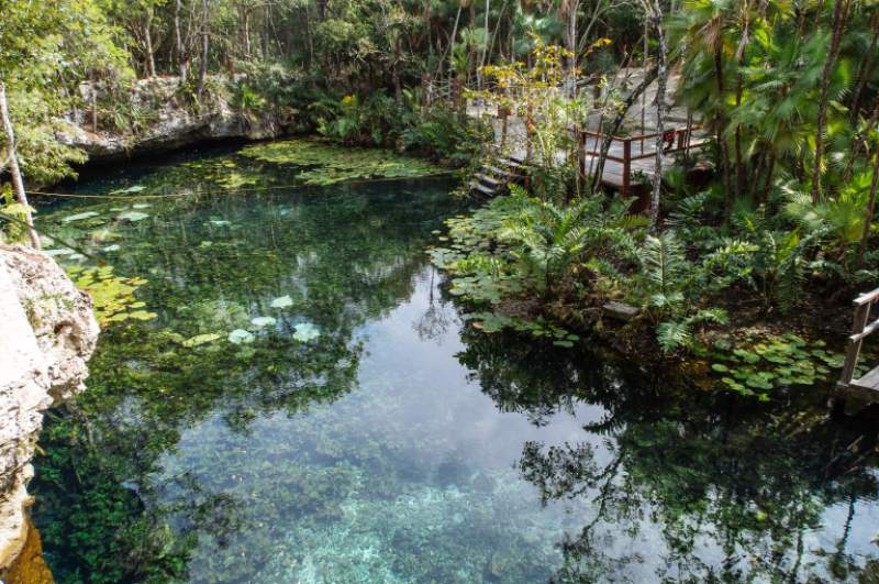 under30experiences-group-travel-blog-for-millennials-five-days-in-mexico-cenote