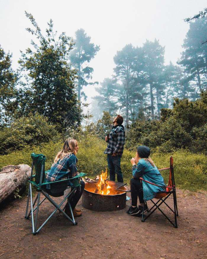 under30experiences-group-travel-blog-for-millennials-the-everyday-adventurer-5-ways-to-spend-more-time-outdoors-fire