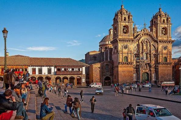 plaza-de-armas-del-cusco