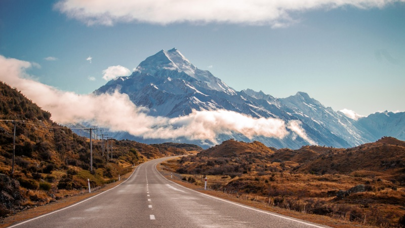 under30experiences-group-travel-blog-for-millennials-how-to-get-to-new-zealand-mountains