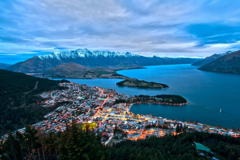 under30experiences-group-travel-blog-for-millennials-how-to-get-to-new-zealand-queenstown