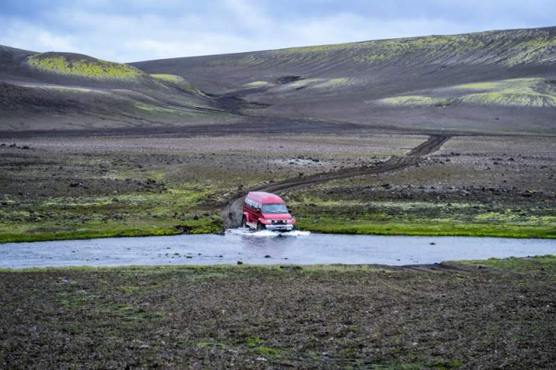 iceland-trek-transportation