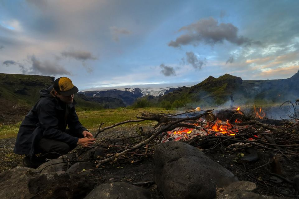 iceland-backpacker-making-fire
