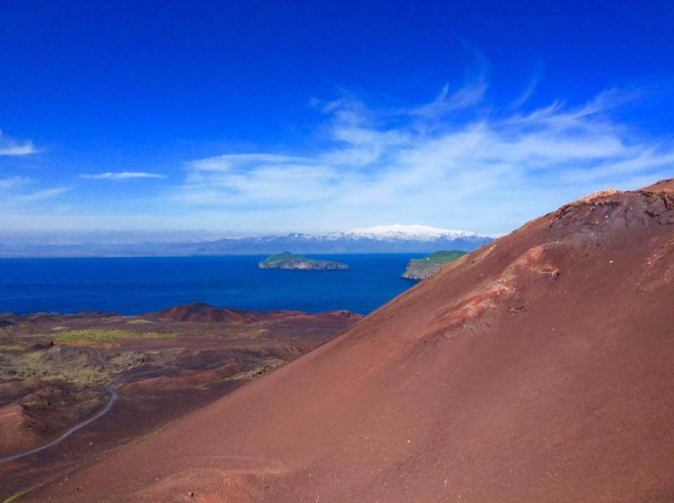 iceland-explore-volcano-hike-under30experiences