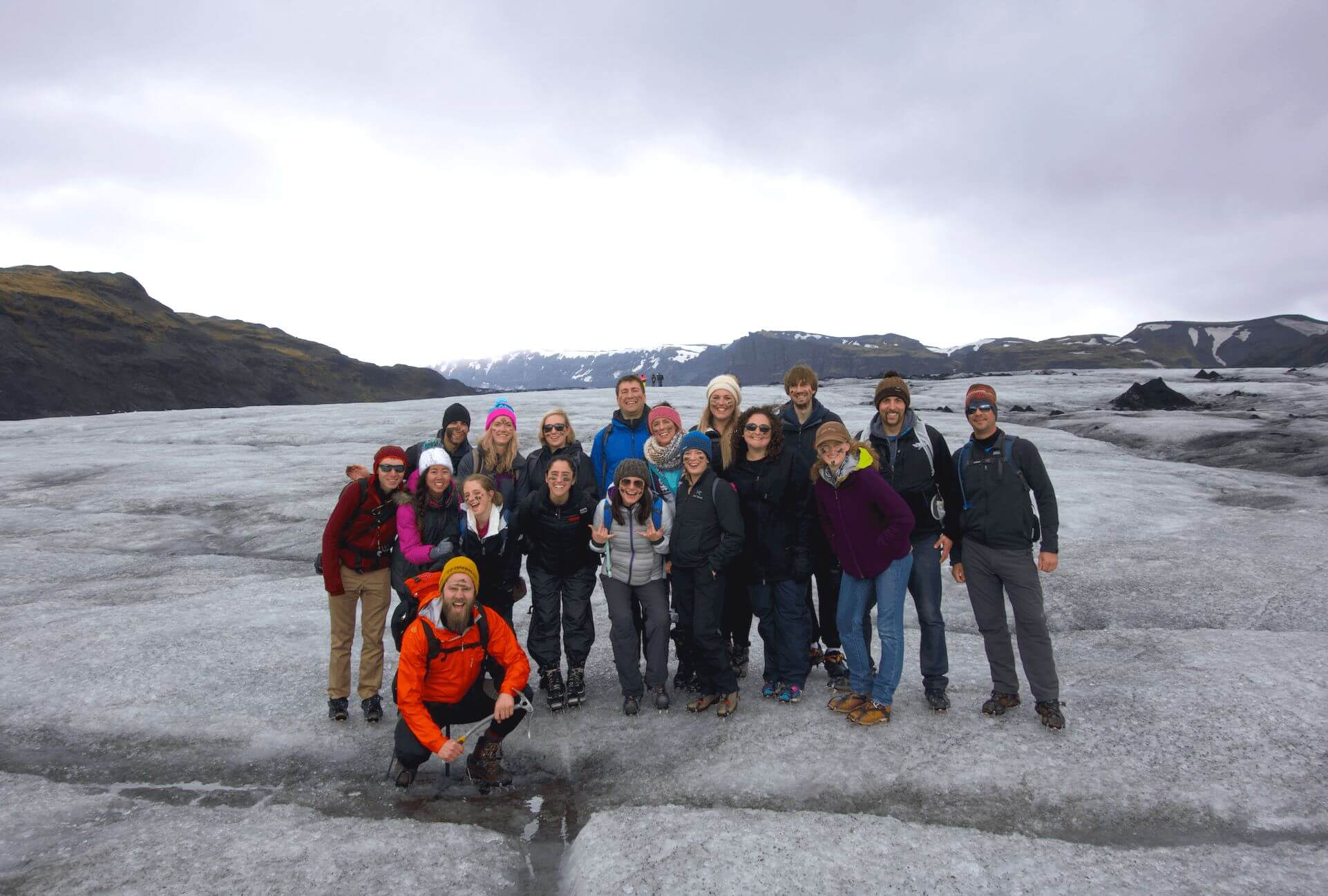 iceland-explore-glacier-hike-cleanest-water-on-earth-under30experiences