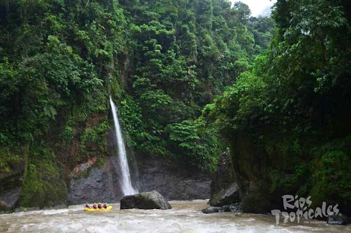 white-water-rafting-pacuare-river