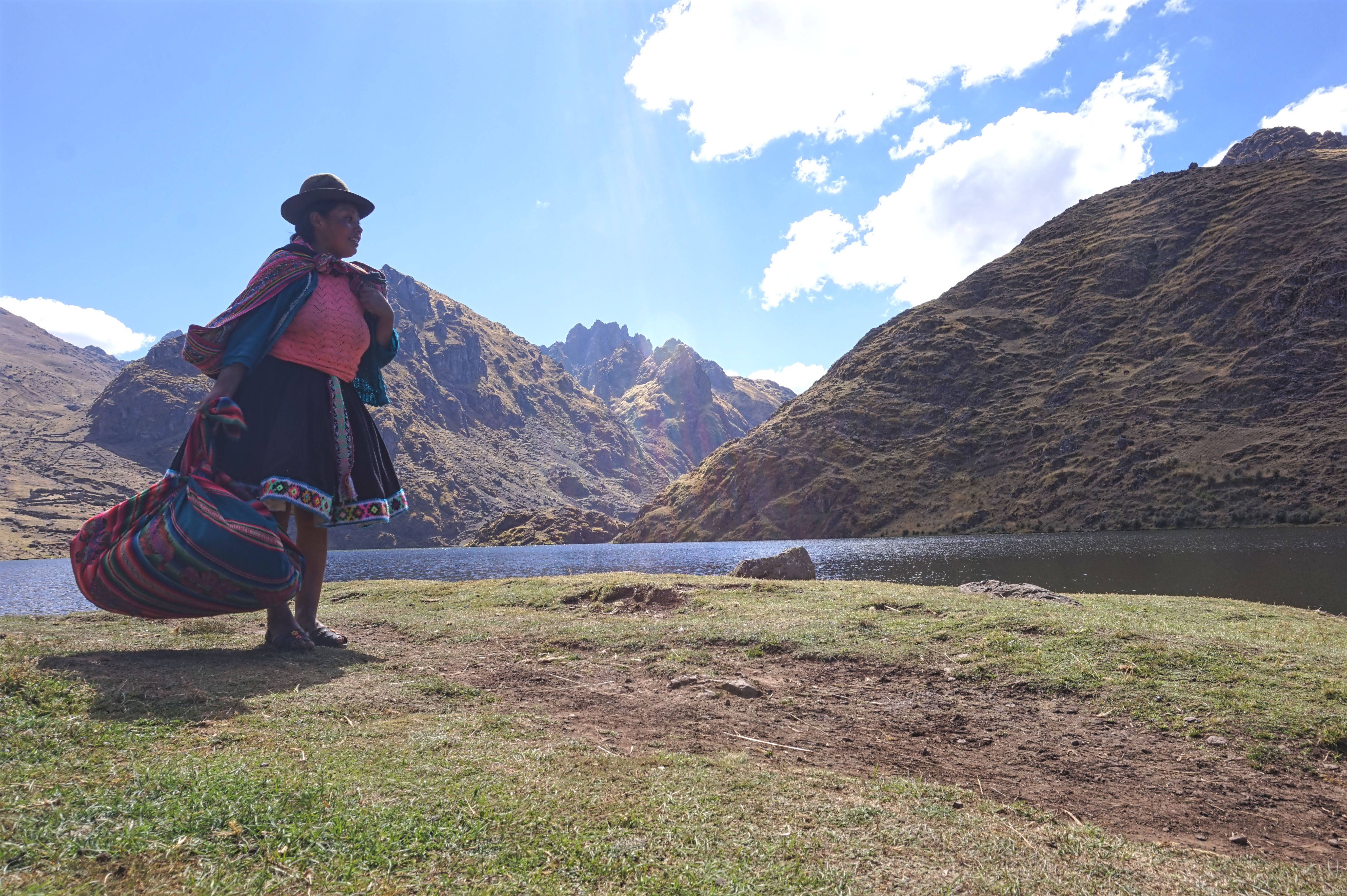under30experiences-travel-peru-peruvians