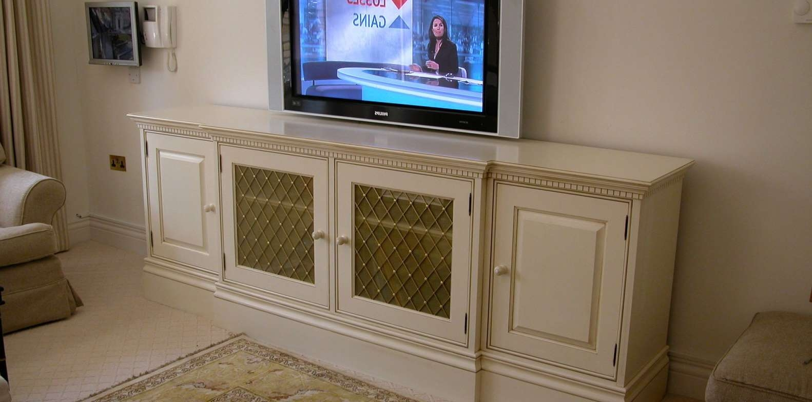 Radiator Cover Protecting Rising Heat From TV