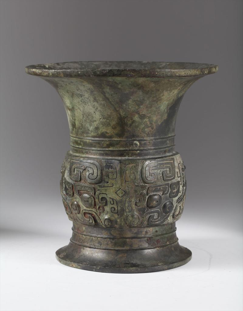 Chinese Bronze Ritual Vessel 1100-1000 B.C. Zun Asian Art, New York Auction House, Houston Auction, Dallas Auction, San Antonio, Chinese Auciton, 中国艺术拍卖, 青铜拍卖, 尊