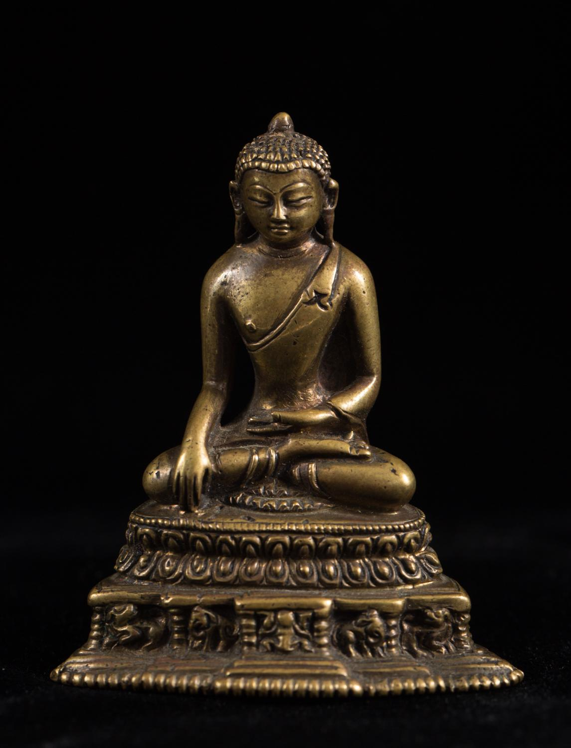 铜鎏佛像,  阿閦佛, Bronze Buddha Figure Akshobhya 17th Century  Five Wisdom Buddhas Asian Art, New York Auction House, Houston Auction, Dallas Auction, San Antonio Auction, Chinese Auction, 海外捡漏, 中国艺术拍卖
