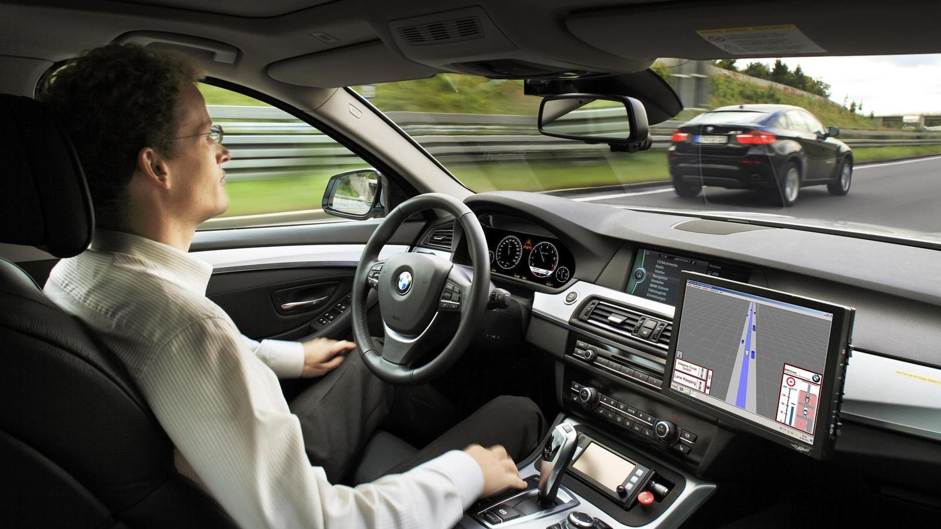 Sjálfkeyrandi bílar BMW á markað 2021