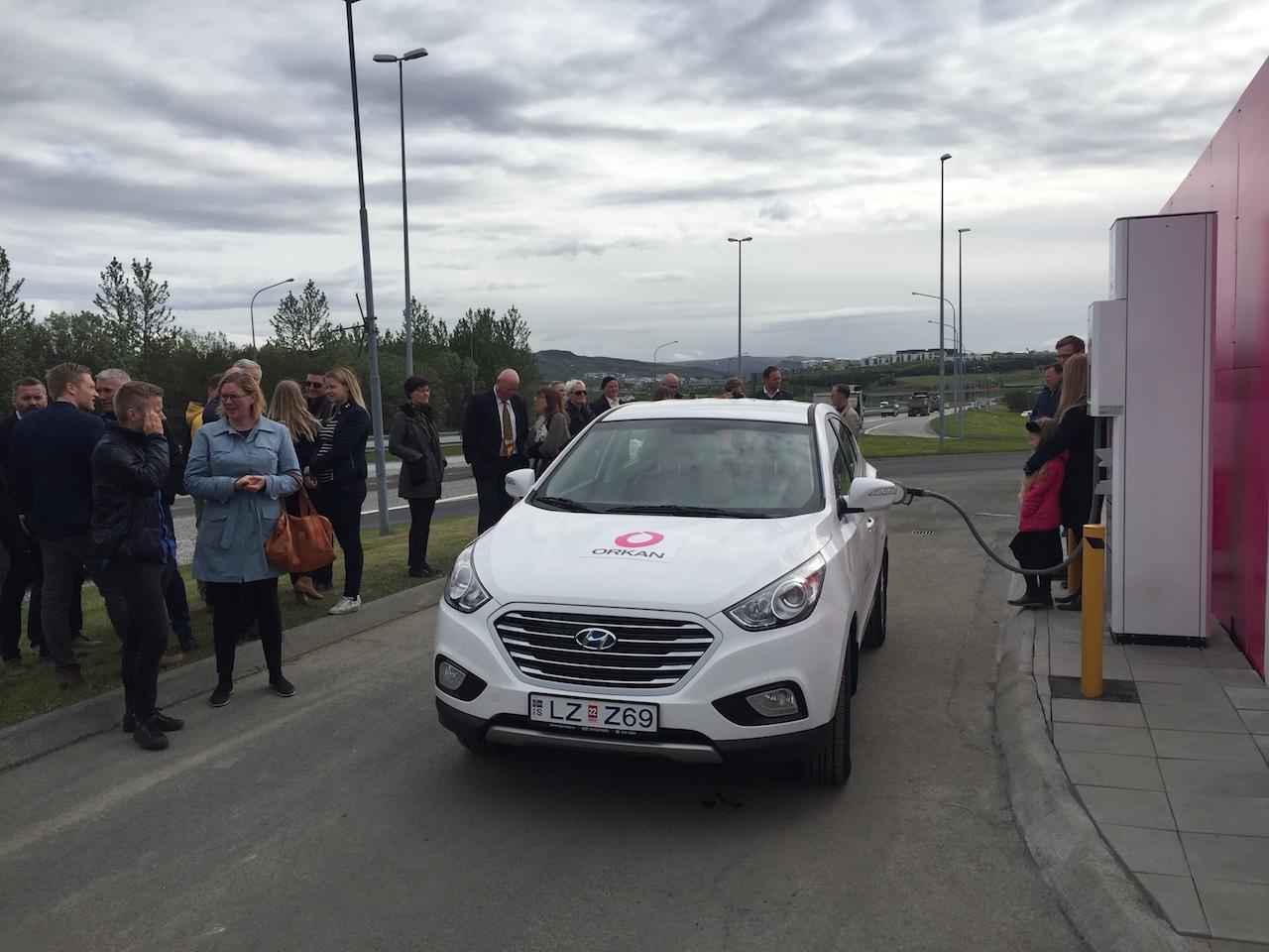 Rafknúnir og mengunarlausir vetnisbílar Hyundai komnir í umferð á Íslandi