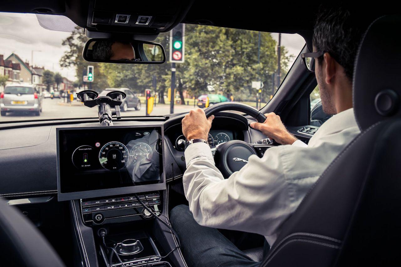 Jaguar Land Rover yfir á GRÆNU ljósi