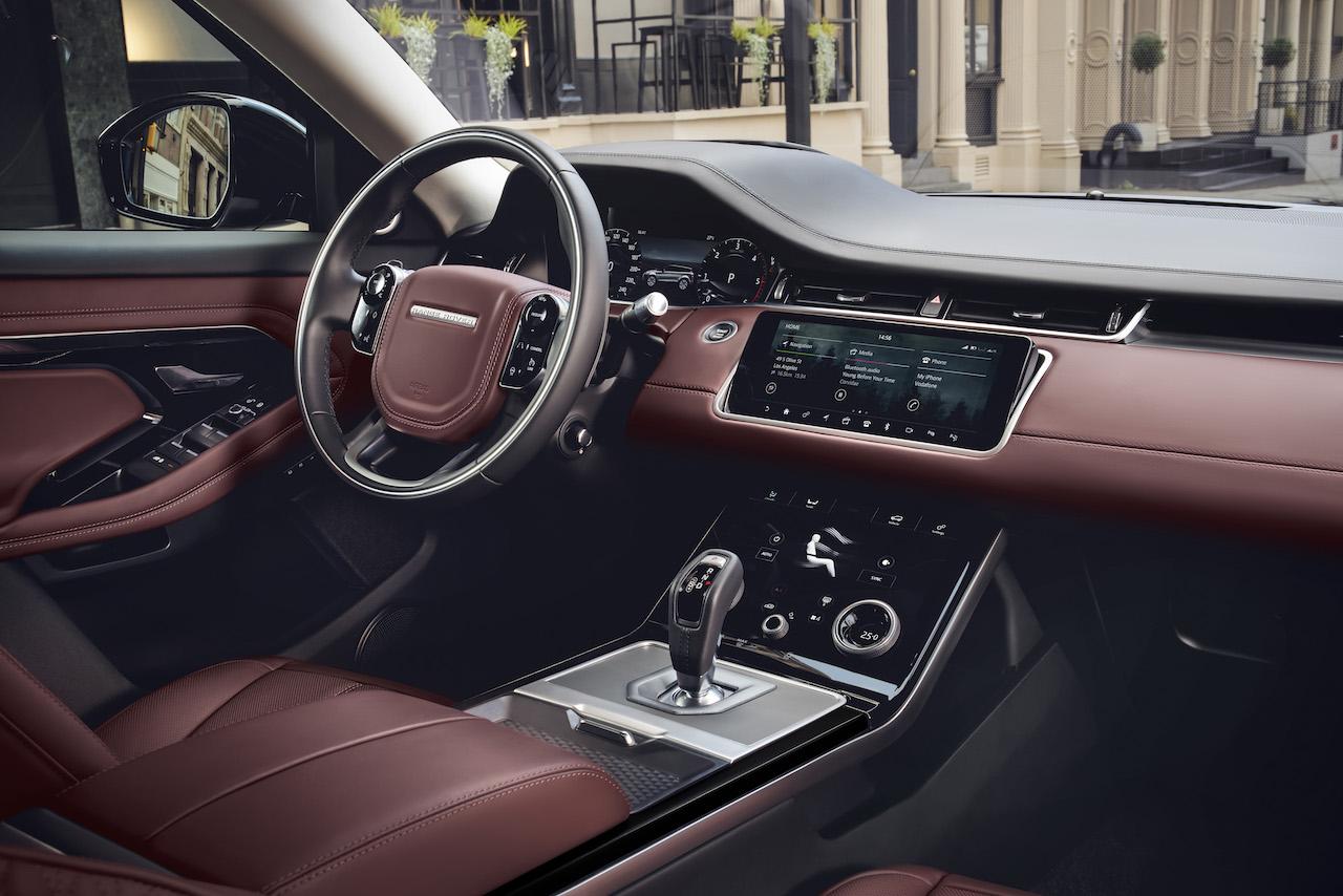 Nýr og rýmri Range Rover Evoque frumsýndur