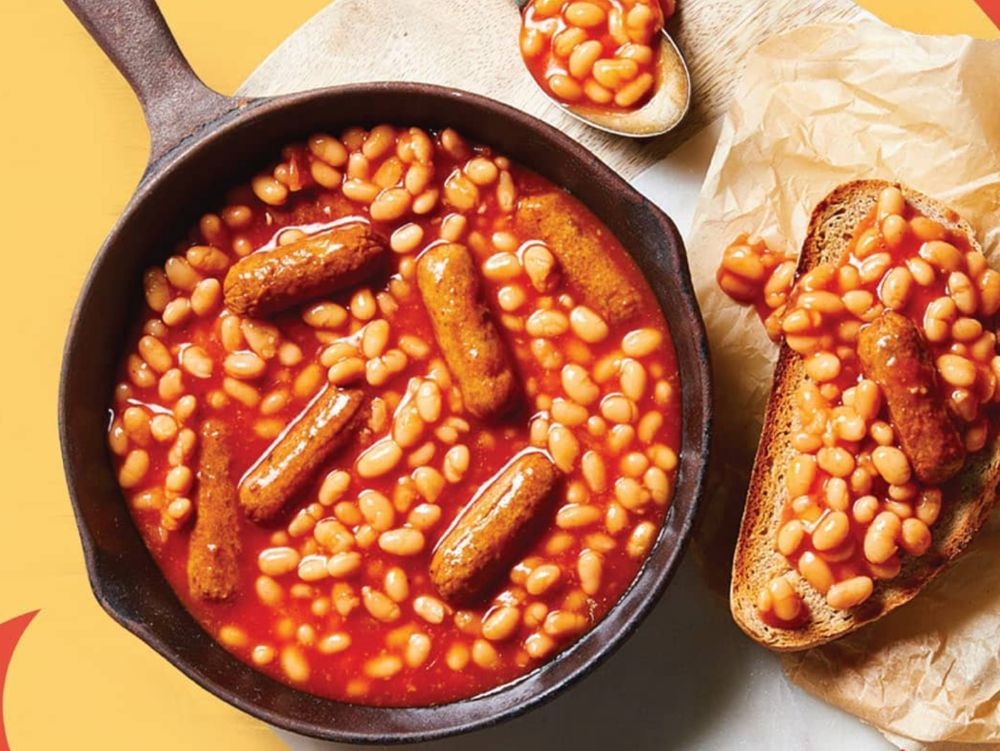Vegan sausages and beans