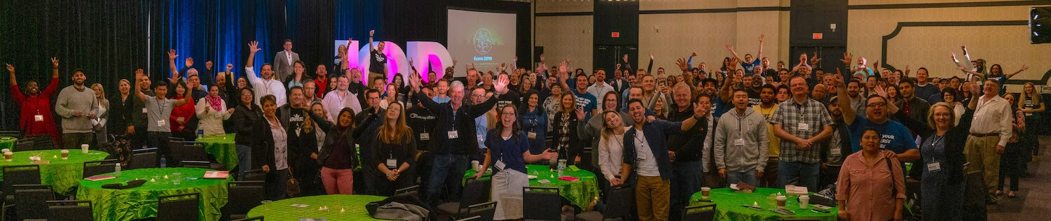 Crowd of attendees cheering at Ecom 2019