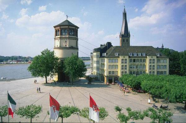 Rheinuferpromenade (River Rhine Promenade)