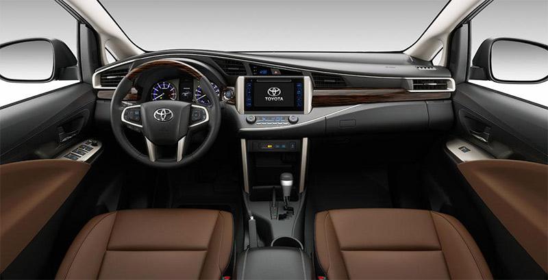 nội thất Toyota innova 2017