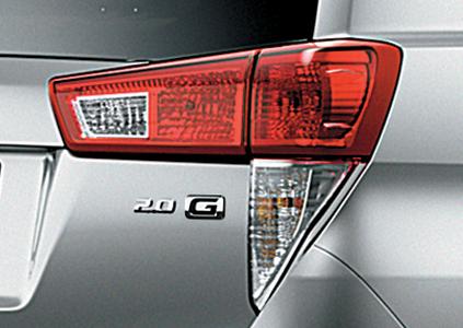 đuôi xe innova 2019 hình chữ L