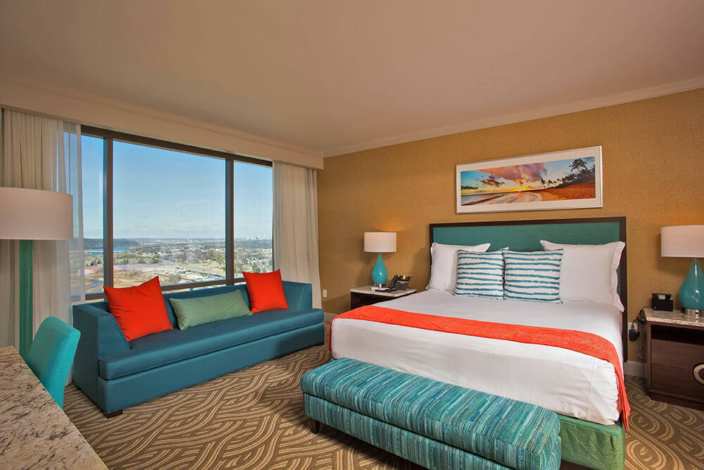 This 27-story, all-glass tower at River Spirit Casino Resort features 483 guest rooms, including 54 suites with luxurious features.