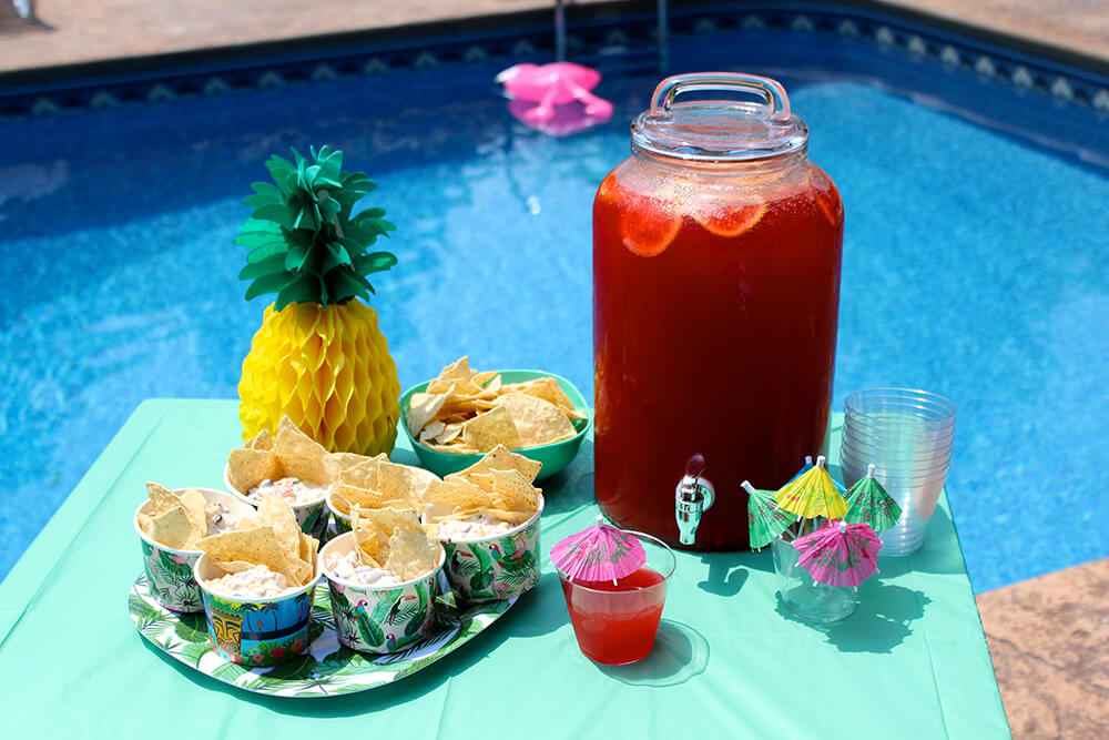 Sparkling Pool Party Punch (Photo: Chelsi Fisher)