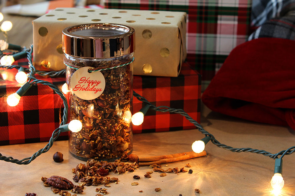 Gingerbread Granola (Photo: Chelsi Fisher)