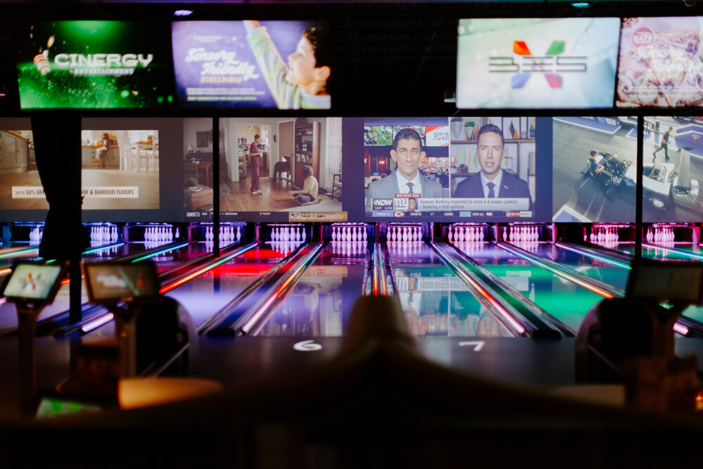 With movie theaters, virtual reality games, escape rooms, bowling, food, full service bar, TV screens, and more, Cinergy is perfect for those times when you want to get out of your routine, especially when you want to go with the whole family or a big group of friends with different tastes. (Photo: Sarah Eliza Roberts)
