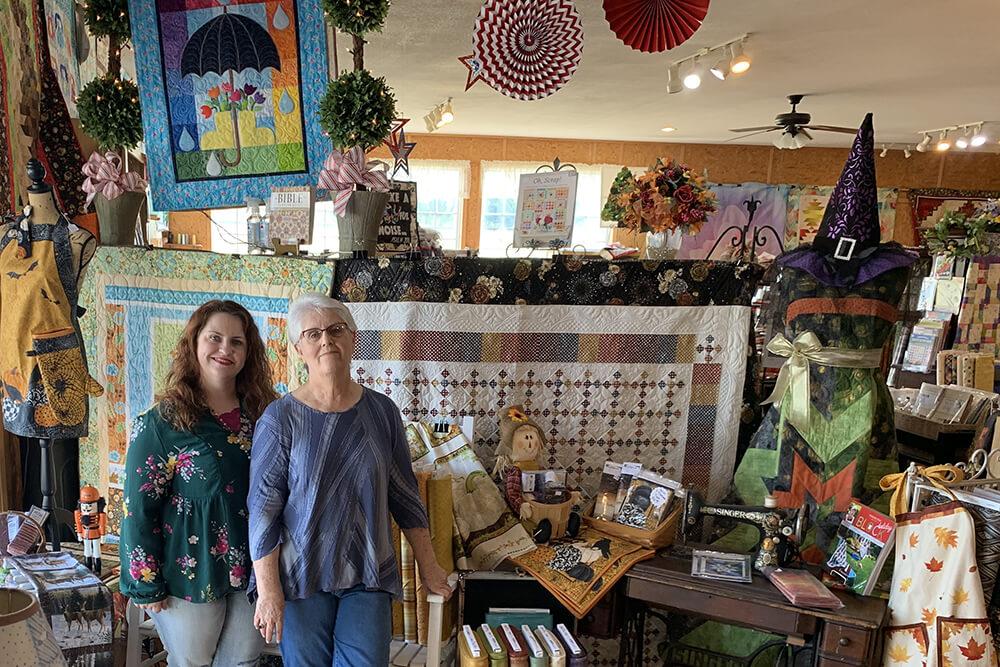 LeeAnn Burgess and Lindy Mahaney (Photo: Jennifer Zehnder)