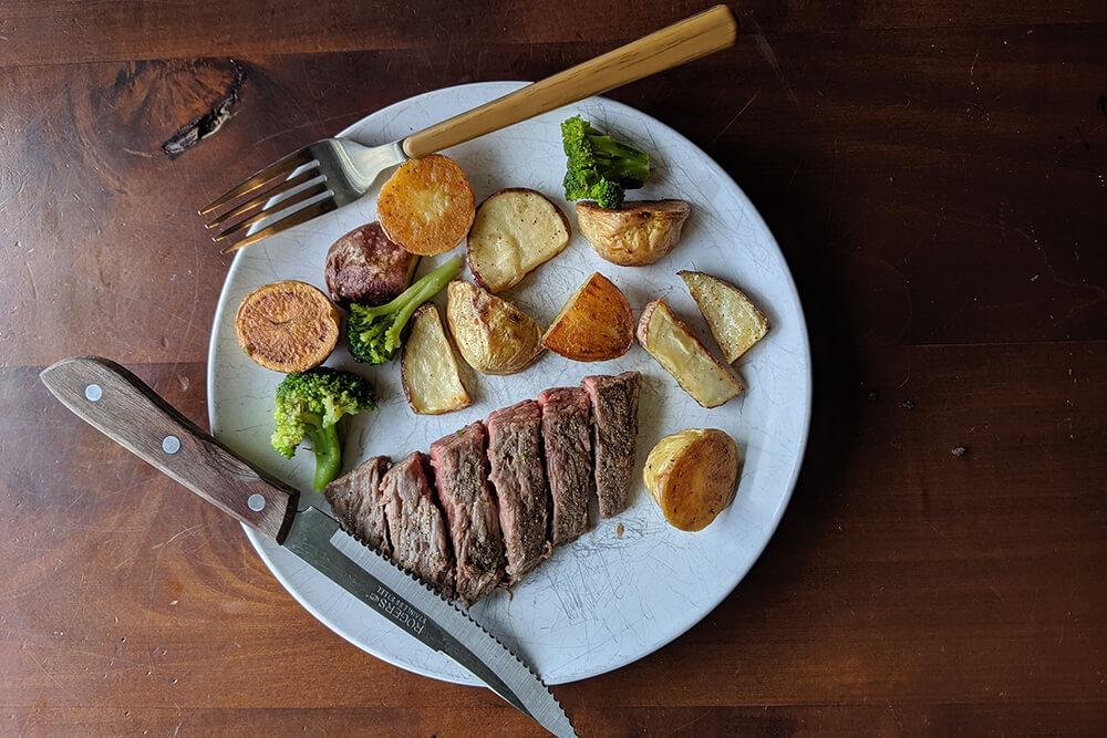 One-Pan Steak Dinner (Photo: Sarah Herrera)