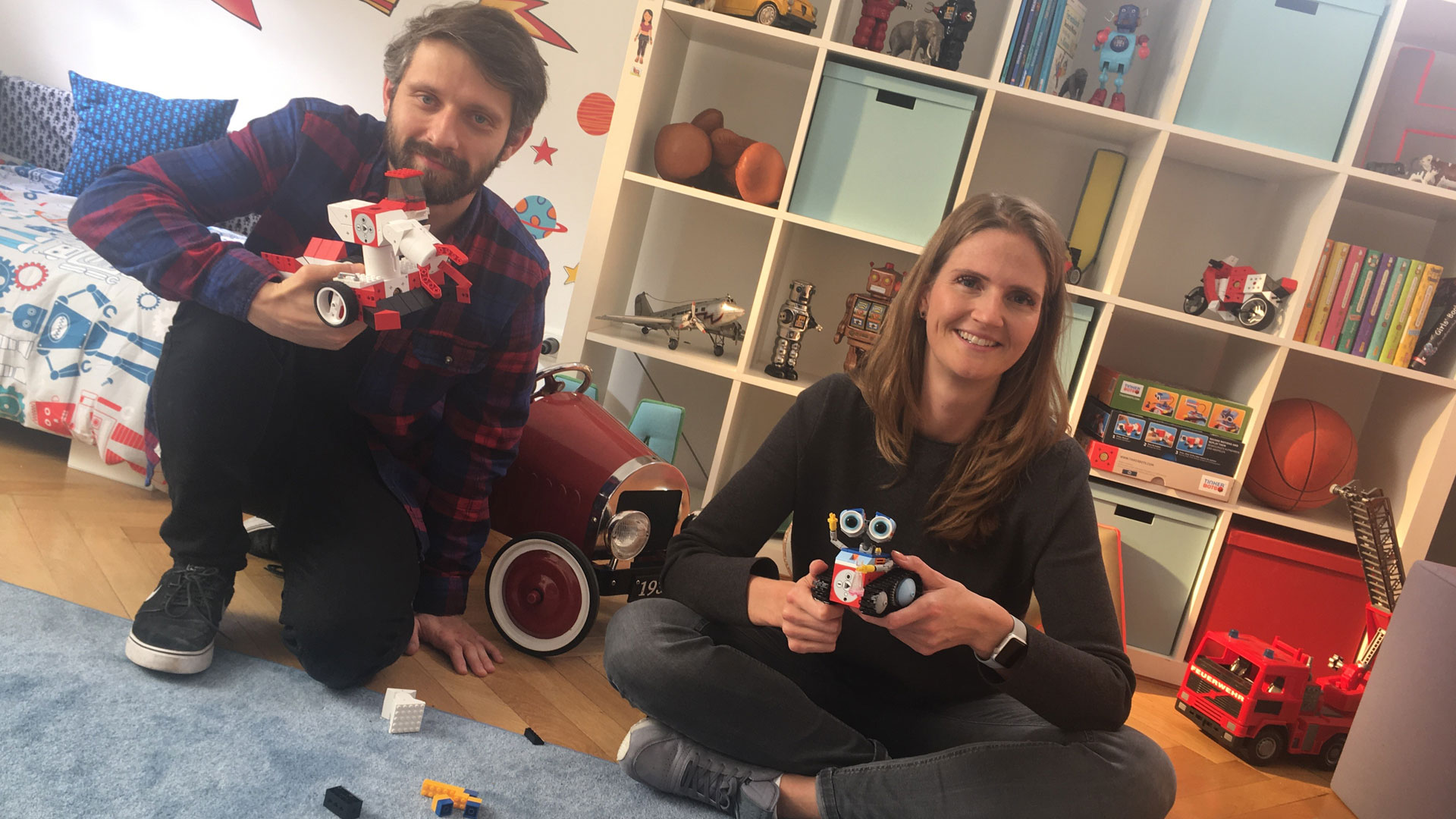 """""""With social media you don't reach anywhere near the number of people you do with TV advertising"""" Interview with SevenVentures Pitch Day 2016 winner Tinkerbots and creative agency 7Stories"""