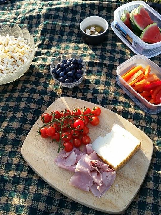 picnic-888398_960_720.jpg