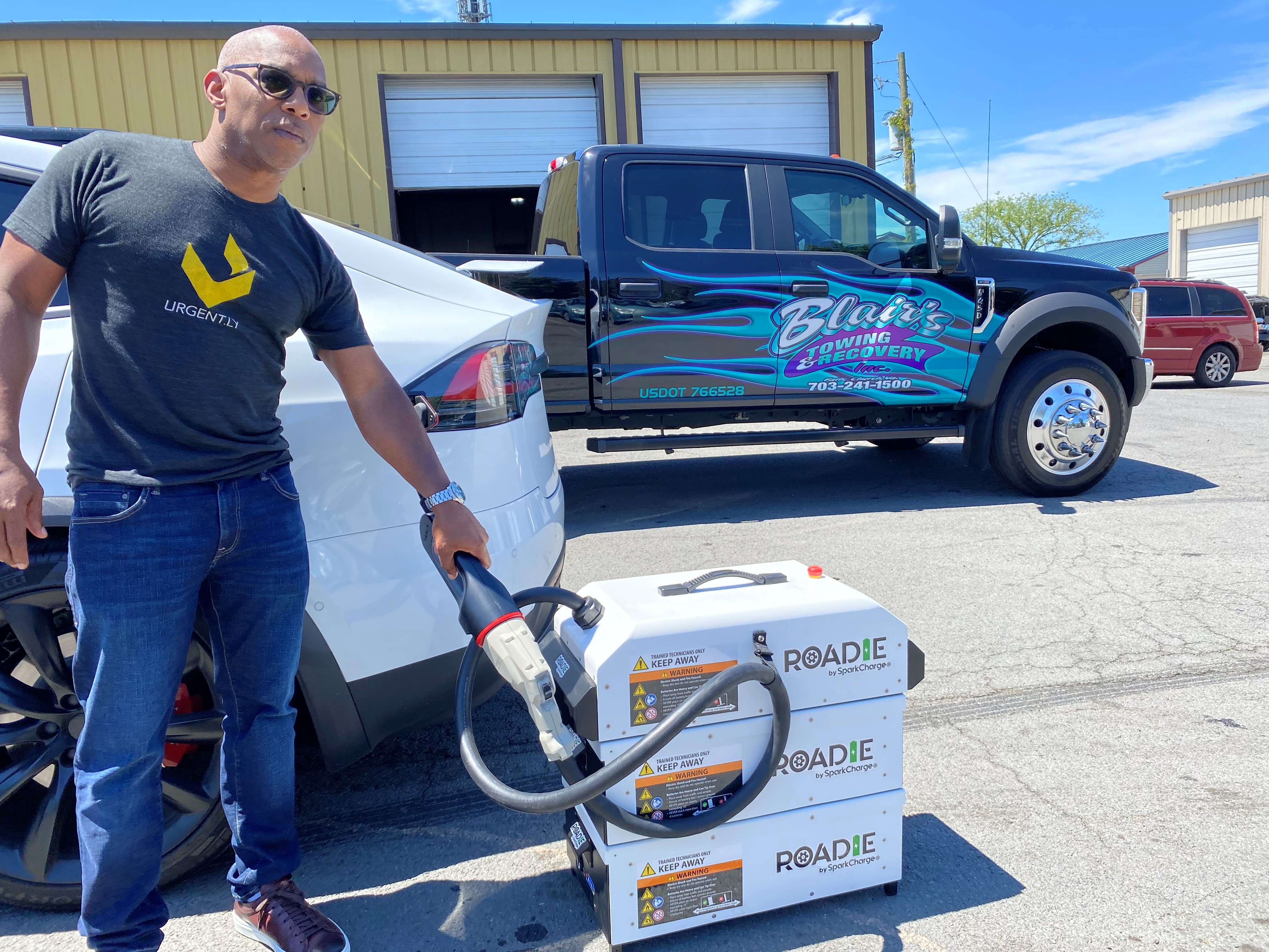 Urgently Partners with SparkCharge to Bring On-Demand EV Charging to Smart Mobility Assistance