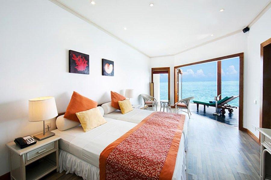 Adaaran Club Rannalhi Resort Maldive water bungalow