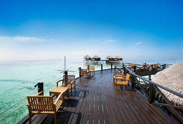 Adaaran Prestige Vadoo resort Maldive main bar