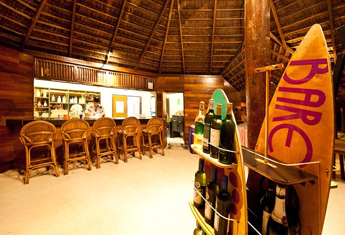 Adaaran Select Hudhuran Fushi resort maldive beach bar